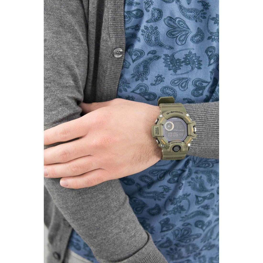 Casio digitali G-Shock uomo GW-9400-3ER indosso