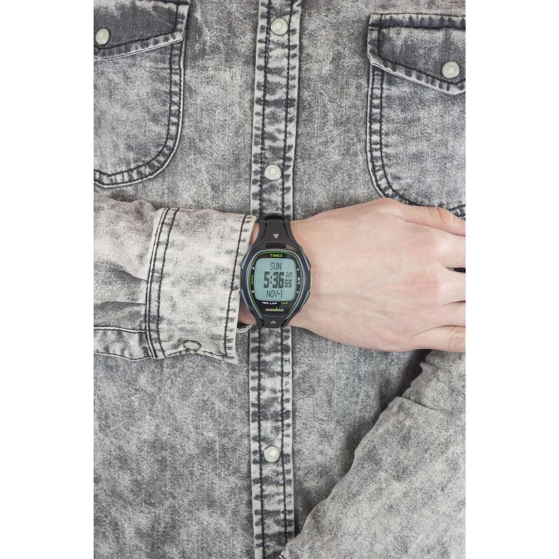 Timex digitali 150 Lap uomo TW5K96400 indosso