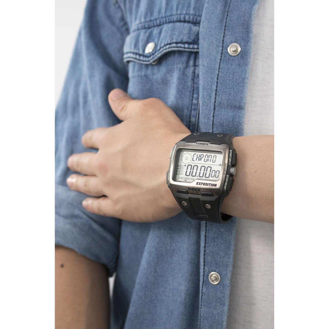 Timex digitali Grid Shock uomo TW4B02500 indosso