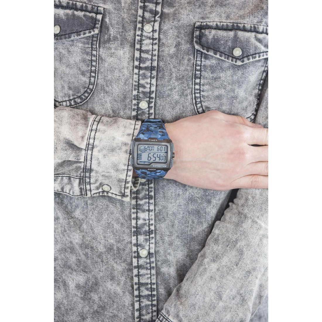 Timex digitali Grid Shock uomo TW4B07100 indosso