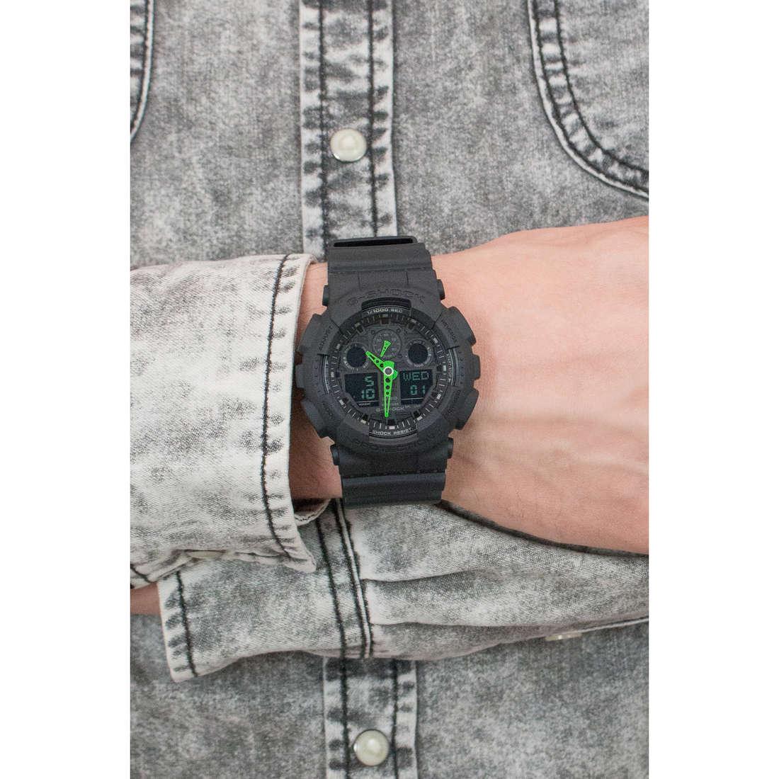 Casio digitali G-Shock uomo GA-100C-1A3ER indosso