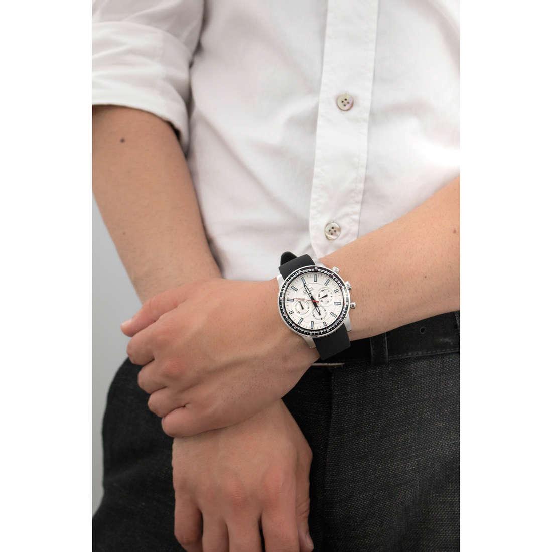Guess cronografi uomo W0802G1 indosso