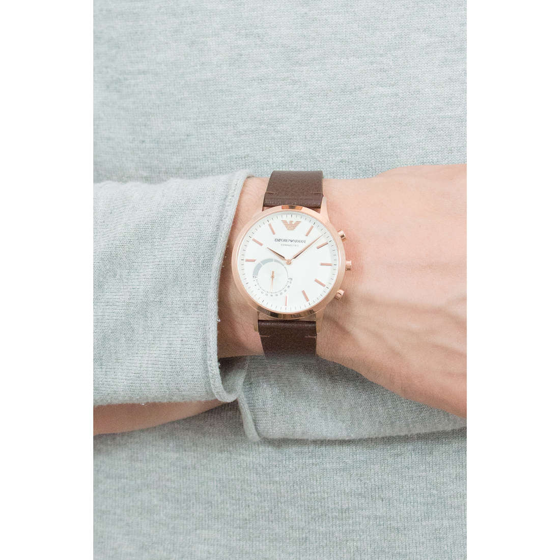Emporio Armani Smartwatches uomo ART3002 indosso