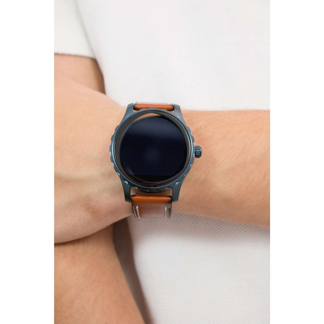 Fossil Smartwatches uomo FTW2106 indosso