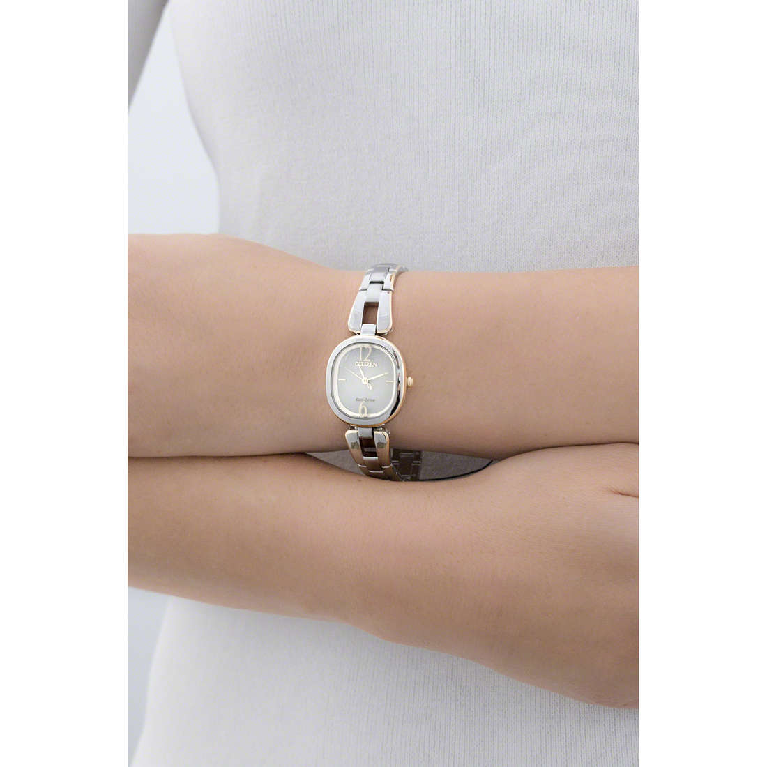 Citizen solo tempo Lady donna EM0186-50P indosso