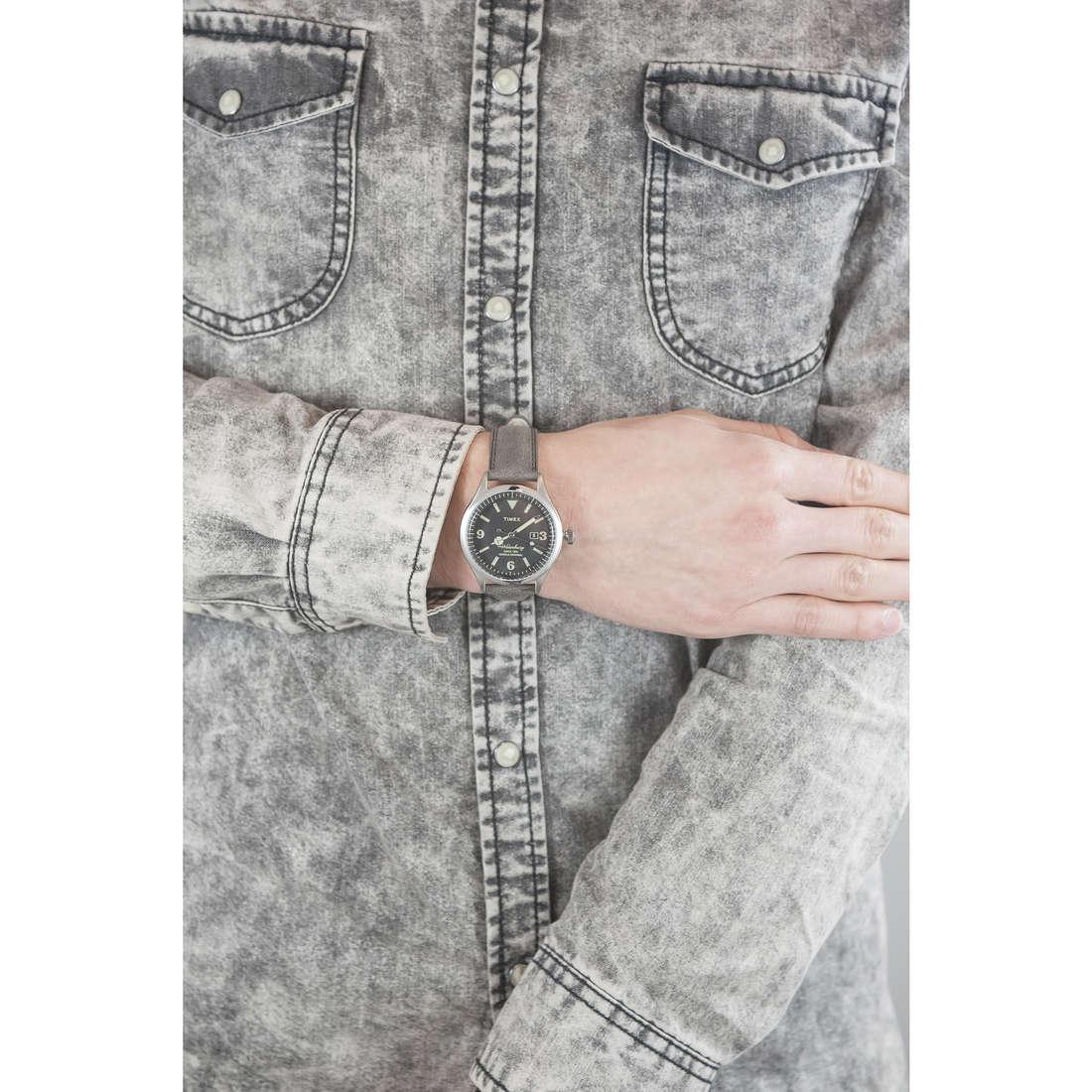 Timex solo tempo Waterbury Collection uomo TW2P75000 indosso