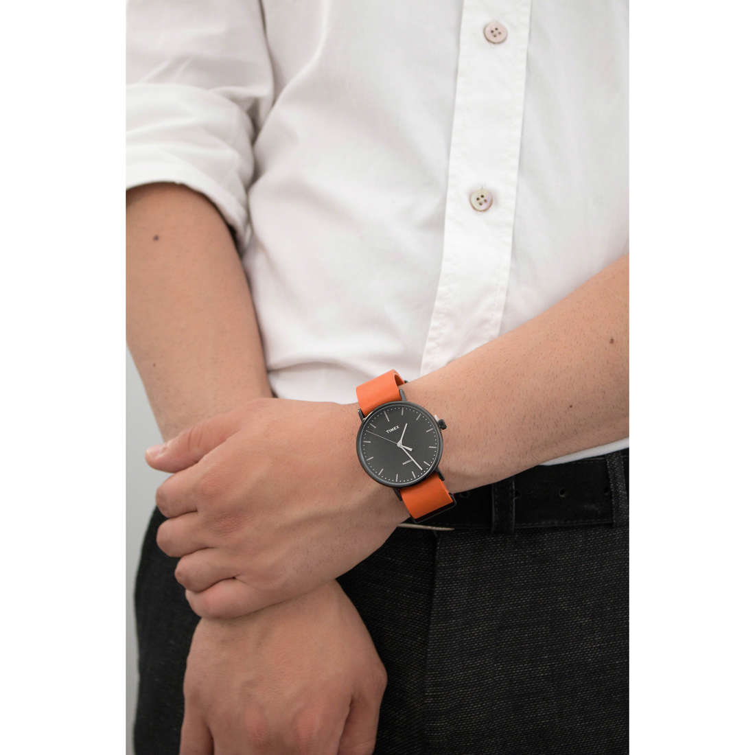 Timex solo tempo Weekender uomo TW2P91400 indosso