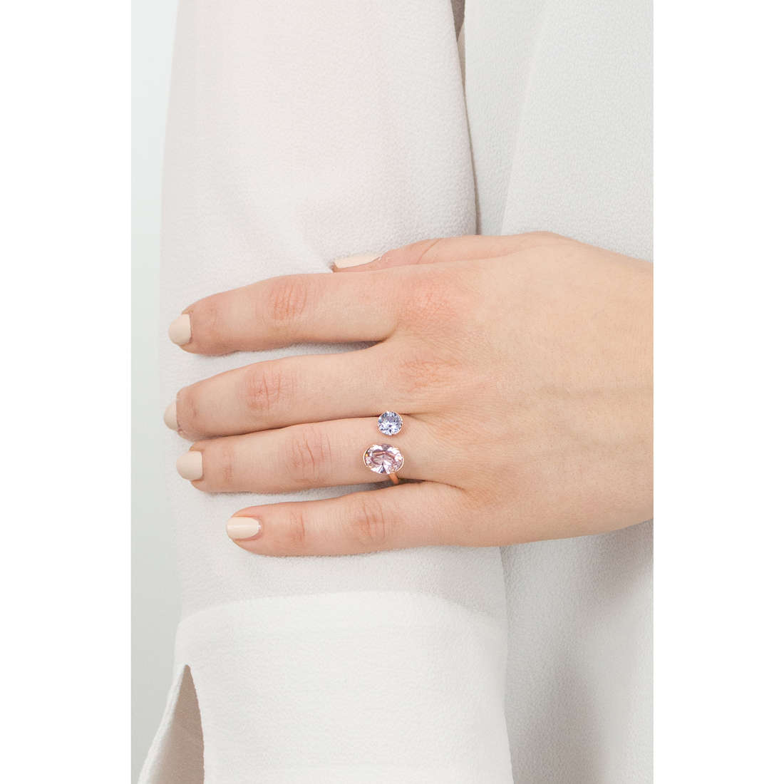Brosway rings Affinity woman BFF43C indosso