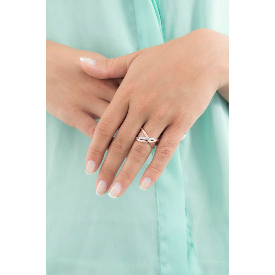 Brosway rings Ribbon woman BBN32 indosso