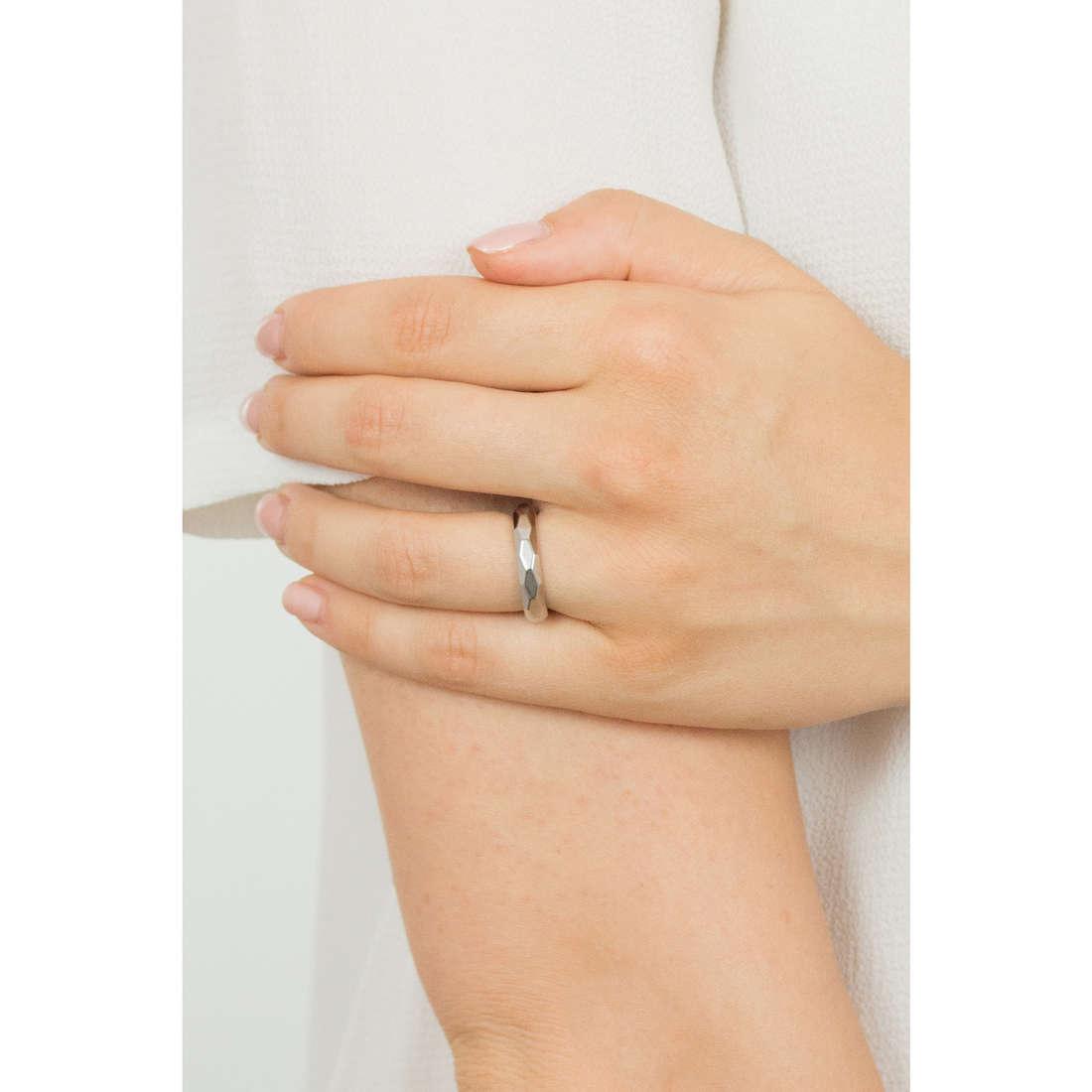 Brosway rings Tring woman BTGC118C indosso