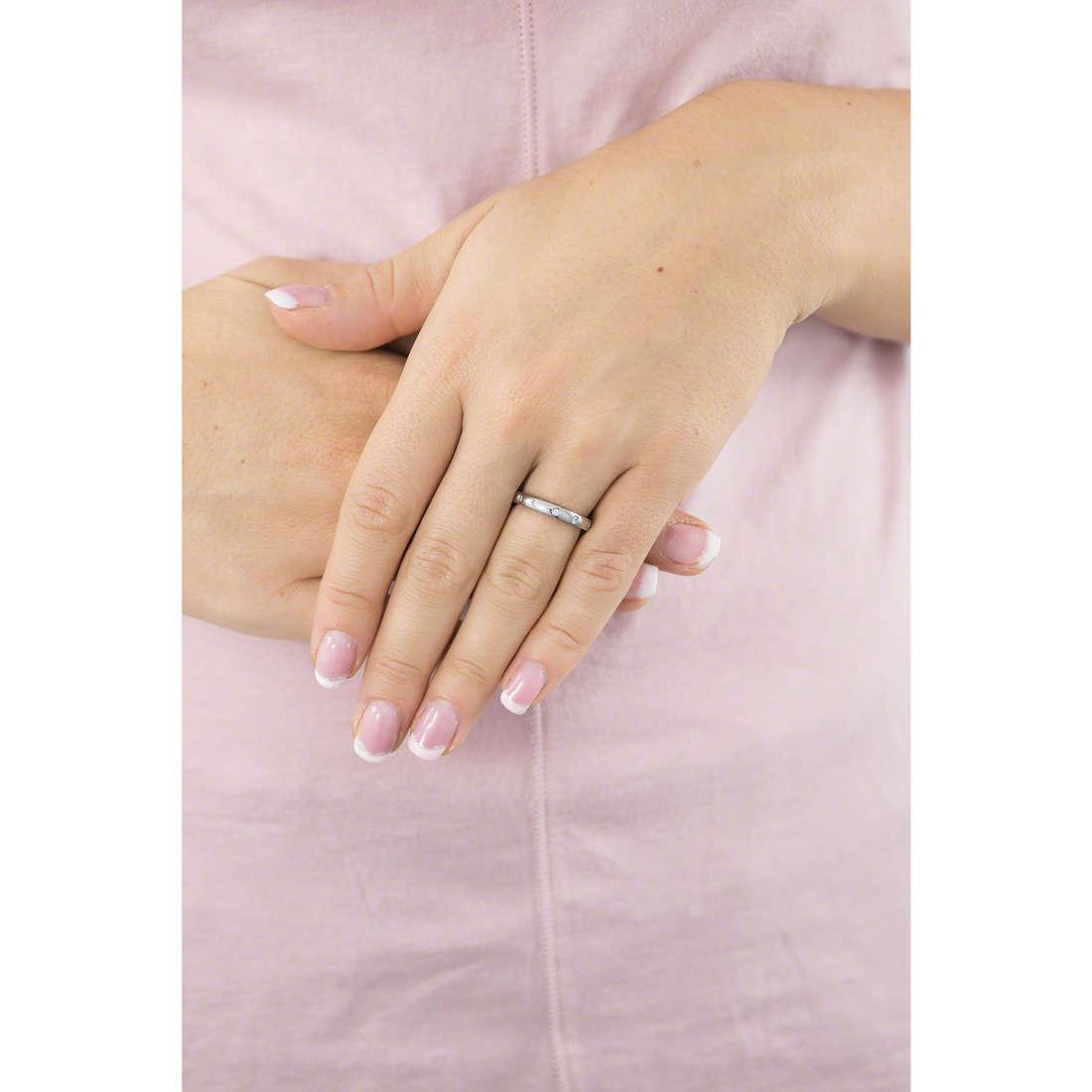 Brosway rings Tring woman BTGC121B indosso