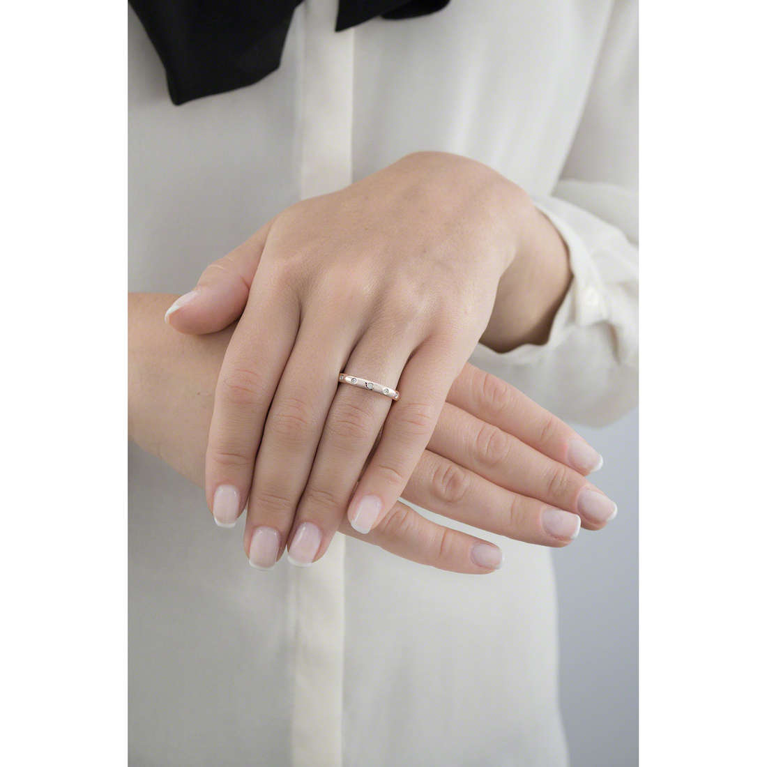 Brosway rings Tring woman BTGC123A indosso