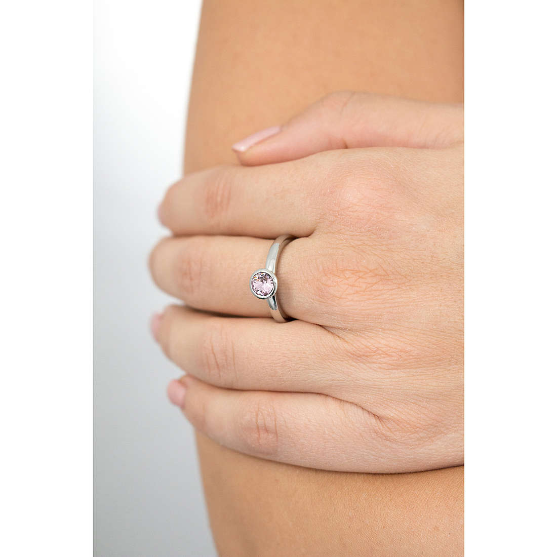 Brosway rings Tring woman BTGC36B photo wearing