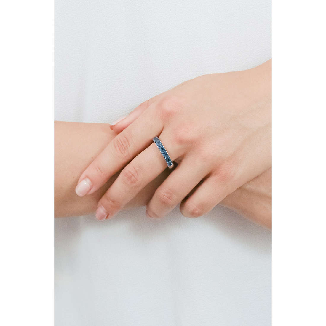 Brosway rings Tring woman BTGC48B indosso