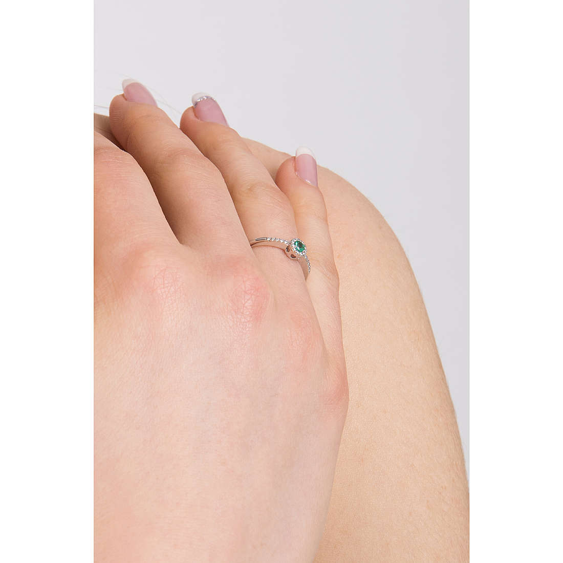 Comete rings Classic 07/14 woman ANB 1902 photo wearing