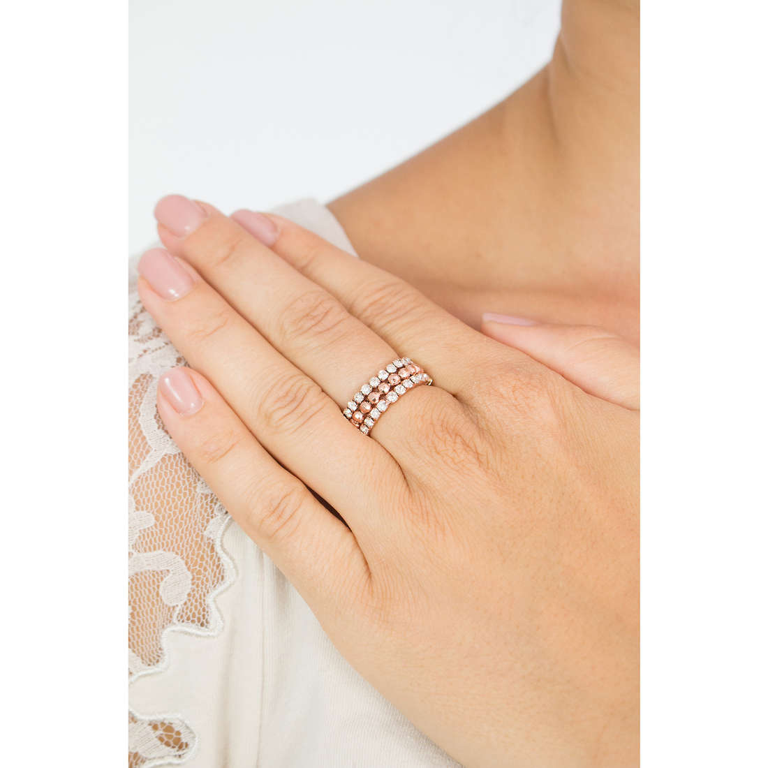 Luca Barra rings woman LBANK109 photo wearing
