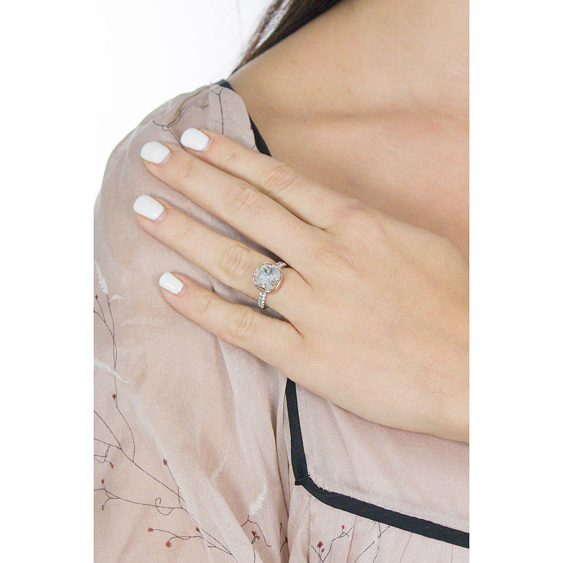 Luca Barra rings woman LBANK73 photo wearing