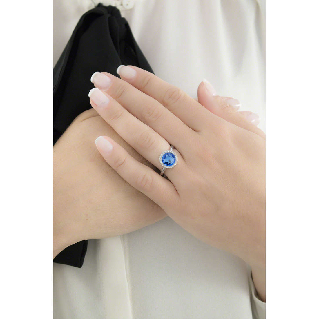 Morellato rings Essenza woman SAGX15016 indosso