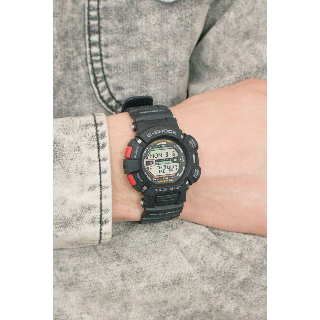 Casio digitals G-Shock man G-9000-1VER photo wearing