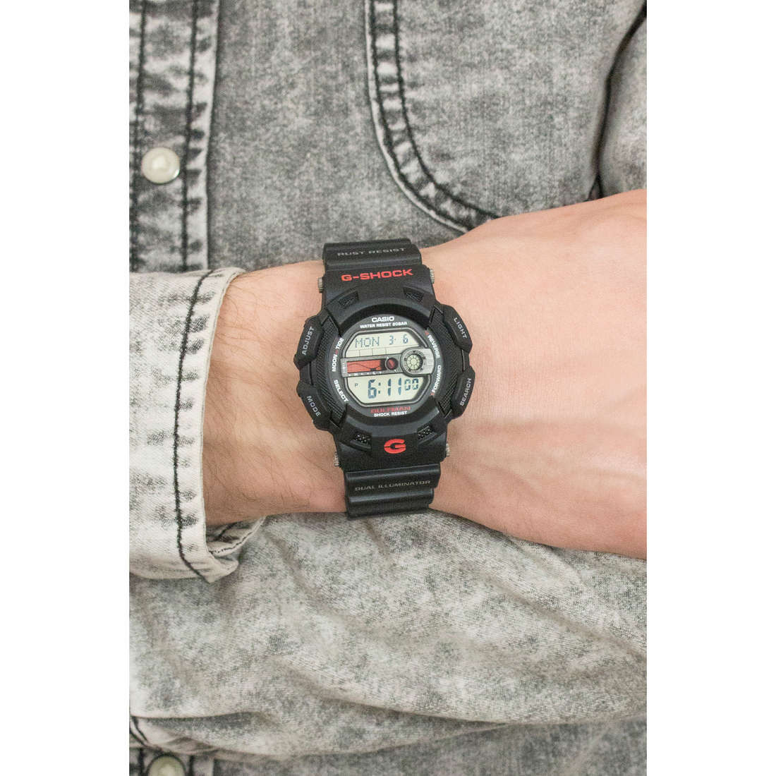 Casio digitals G-Shock man G-9100-1ER indosso