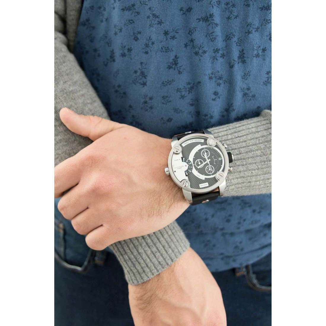 Diesel chronographs man DZ7256 photo wearing
