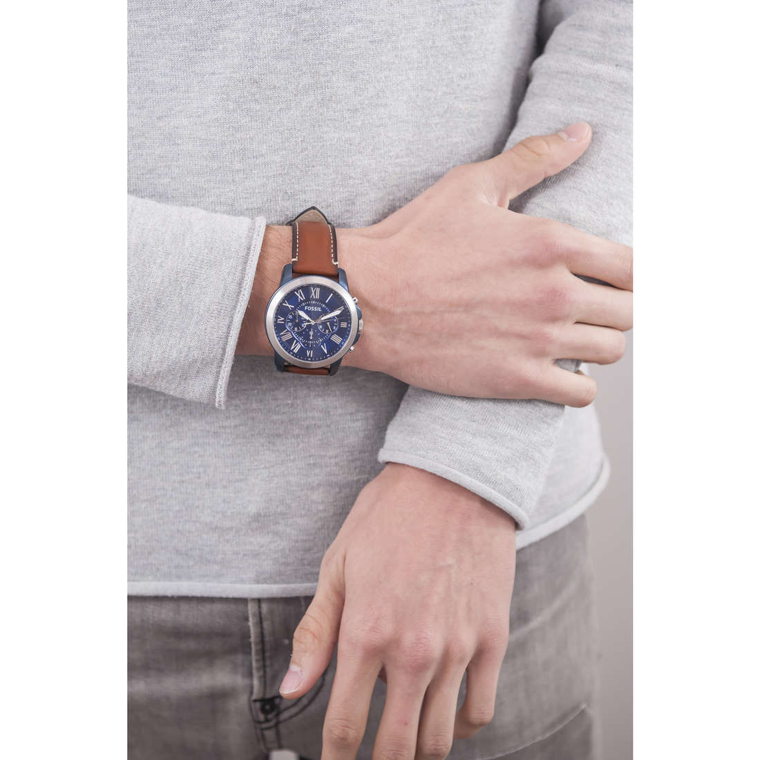 Fossil chronographs Grant man FS5151 photo wearing