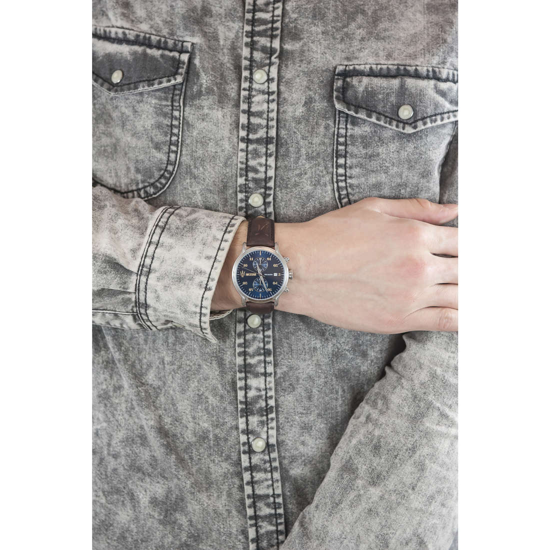 Maserati chronographs Epoca man R8871618001 indosso