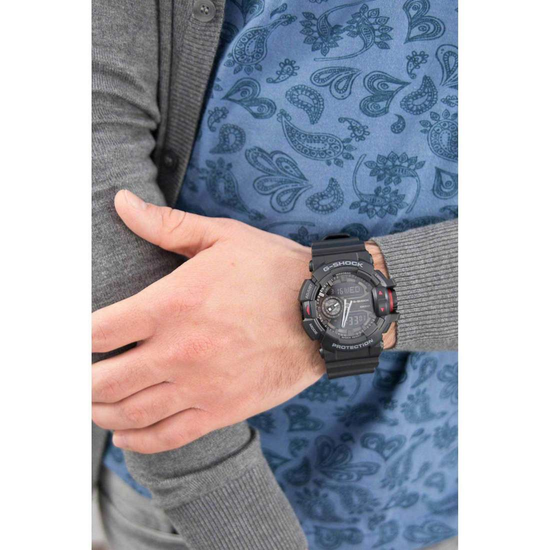 Casio digitals G-Shock man GA-400-1BER photo wearing