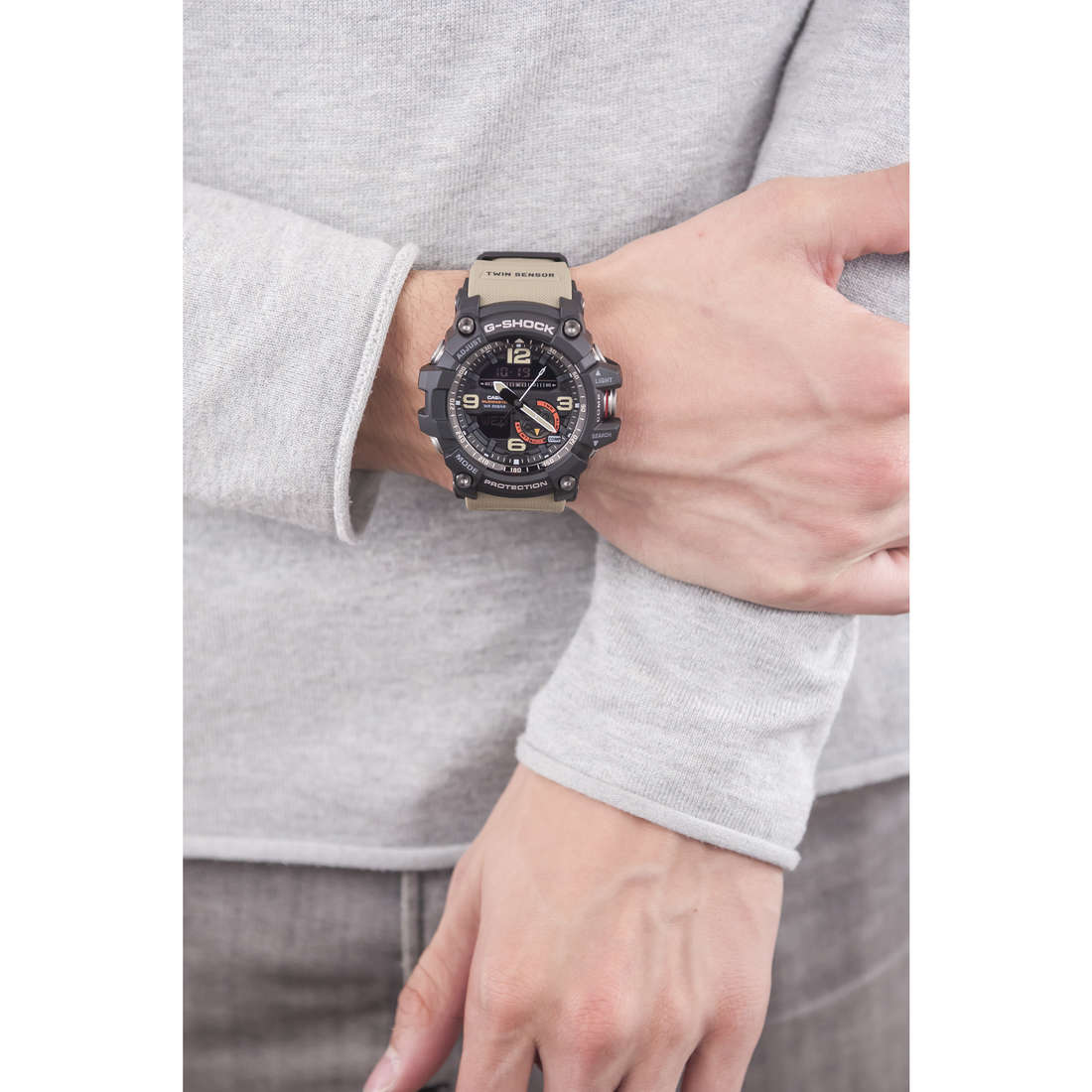 Casio digitals G-Shock man GG-1000-1A5ER photo wearing