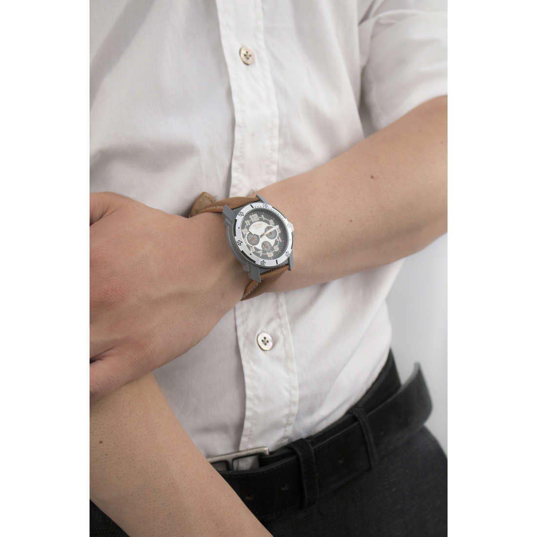 Breil multifunction Knock man EW0144 indosso