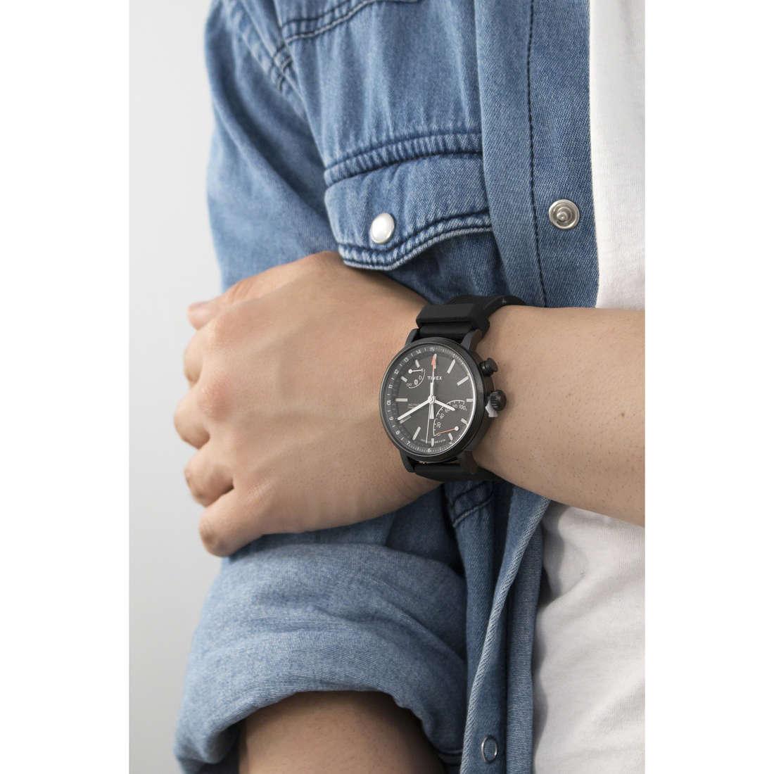 Timex multifunction Metropolitan man TWG012600 indosso