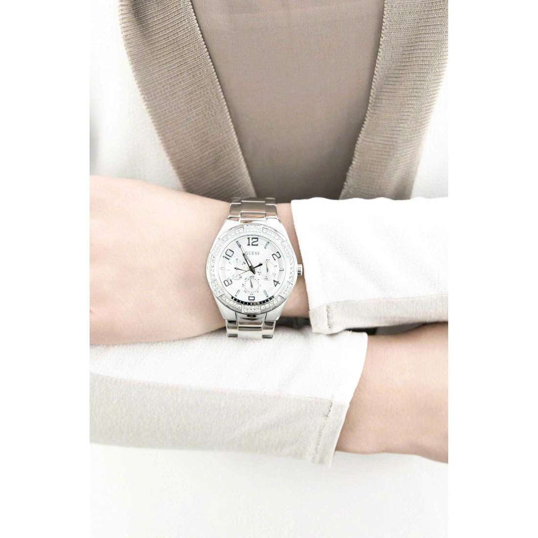 Guess multifunction Luna woman W0729L1 indosso