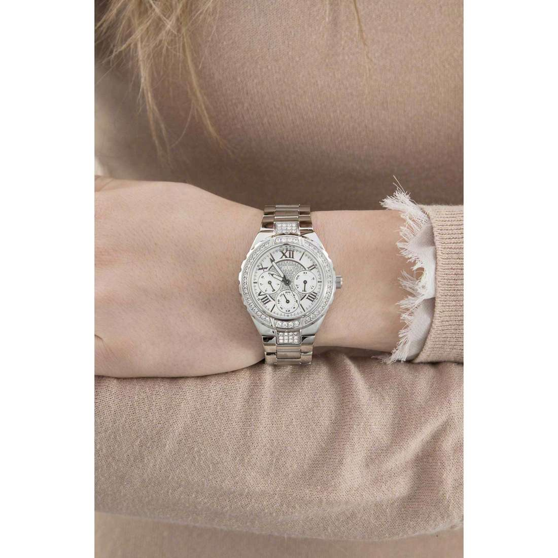 Guess multifunction woman W0111L1 indosso