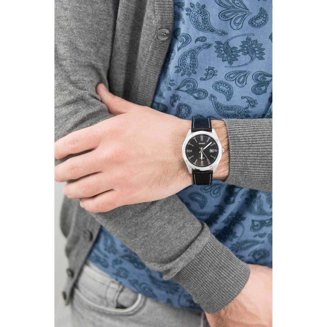 Casio only time Casio Collection man MTP-1302PL-1AVEF indosso