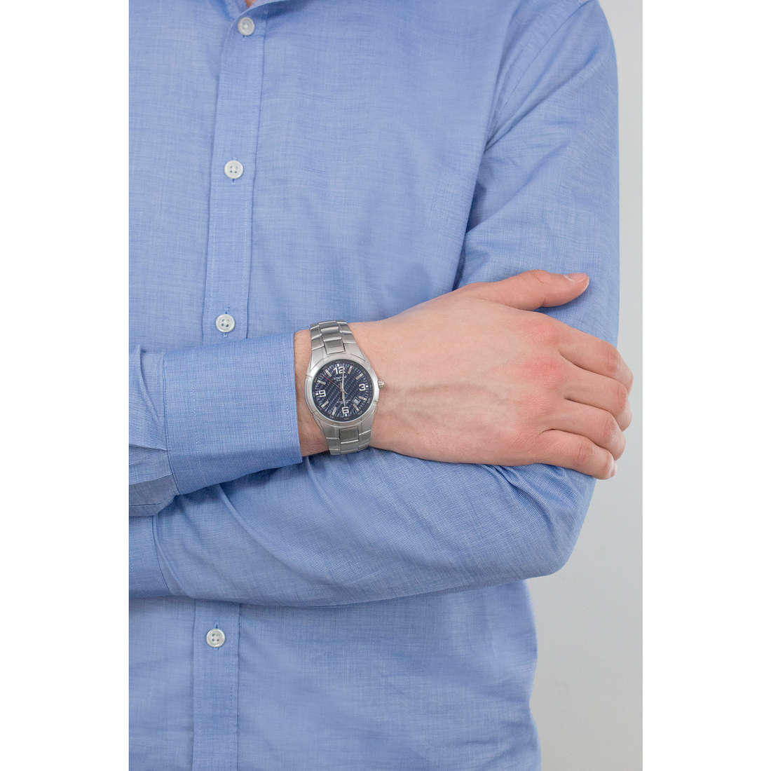 Casio only time Edifice man EF-125D-2AVEF indosso