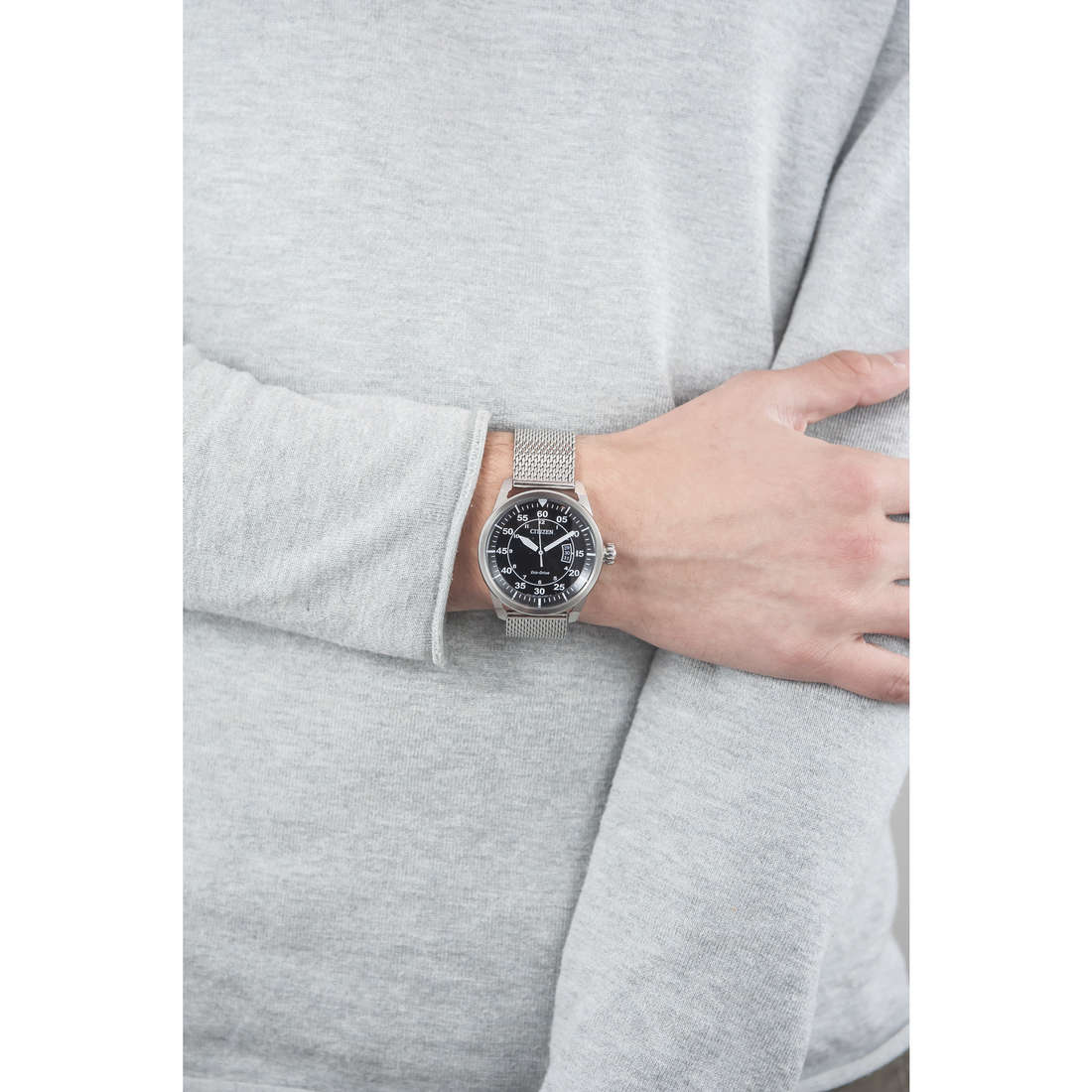 Citizen only time man AW1360-55E indosso