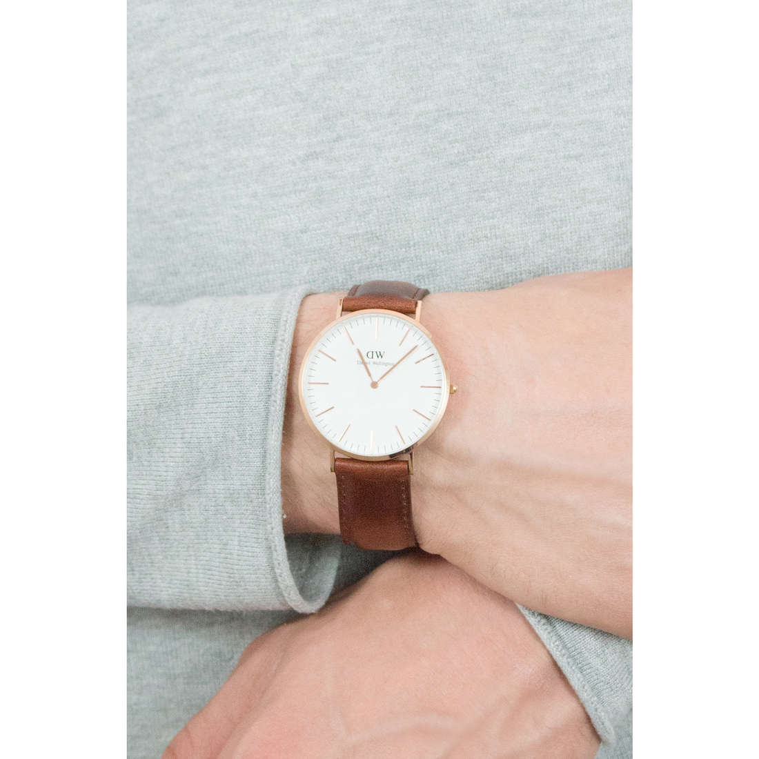 Daniel Wellington only time Classic man DW00100006 indosso