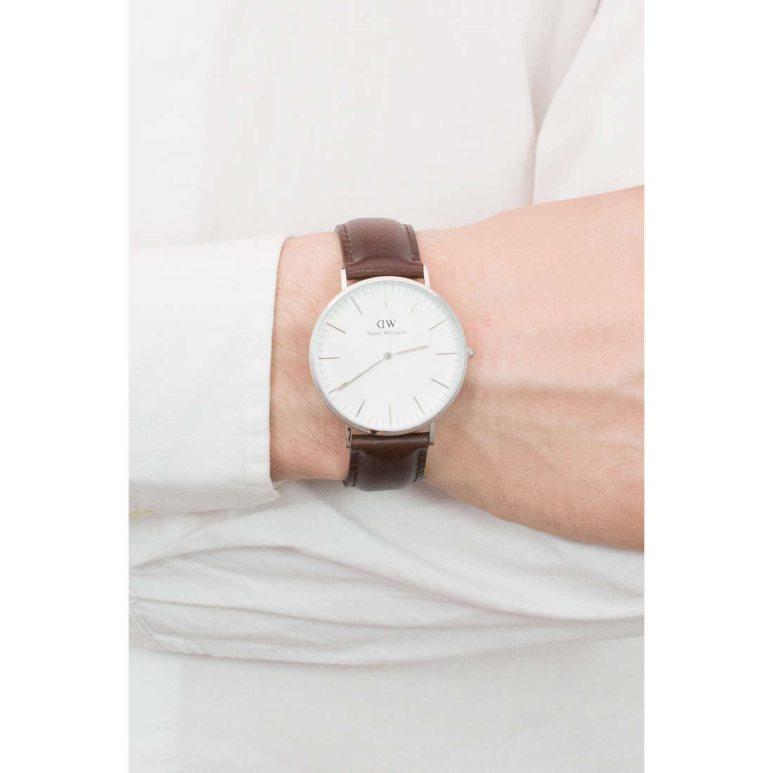 Daniel Wellington only time Classic man DW00100023 photo wearing