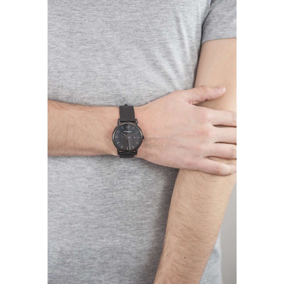 Emporio Armani only time man AR1732 indosso