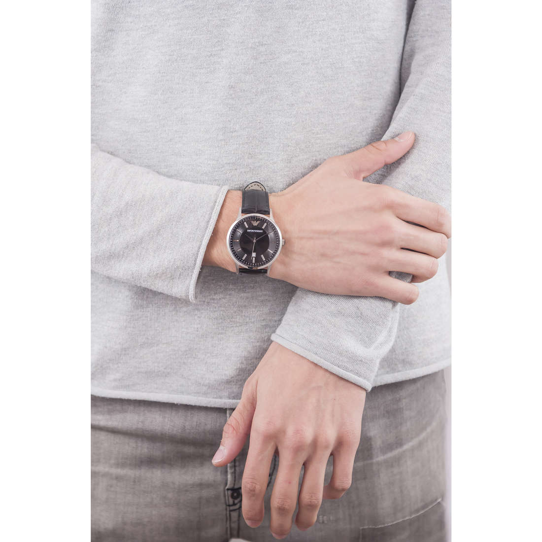 Emporio Armani only time man AR2411 indosso
