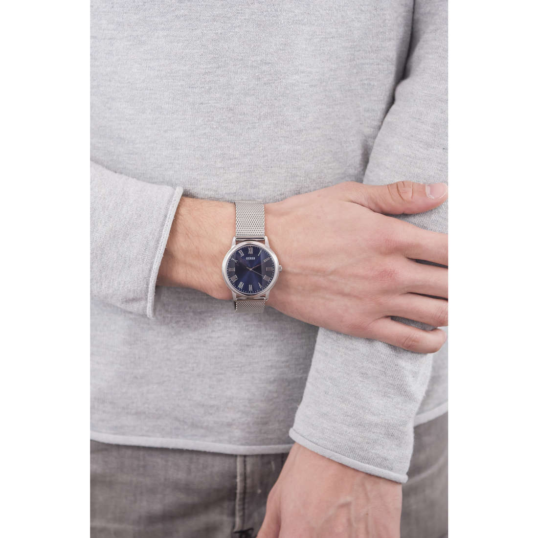 Guess only time man W0406G3 indosso