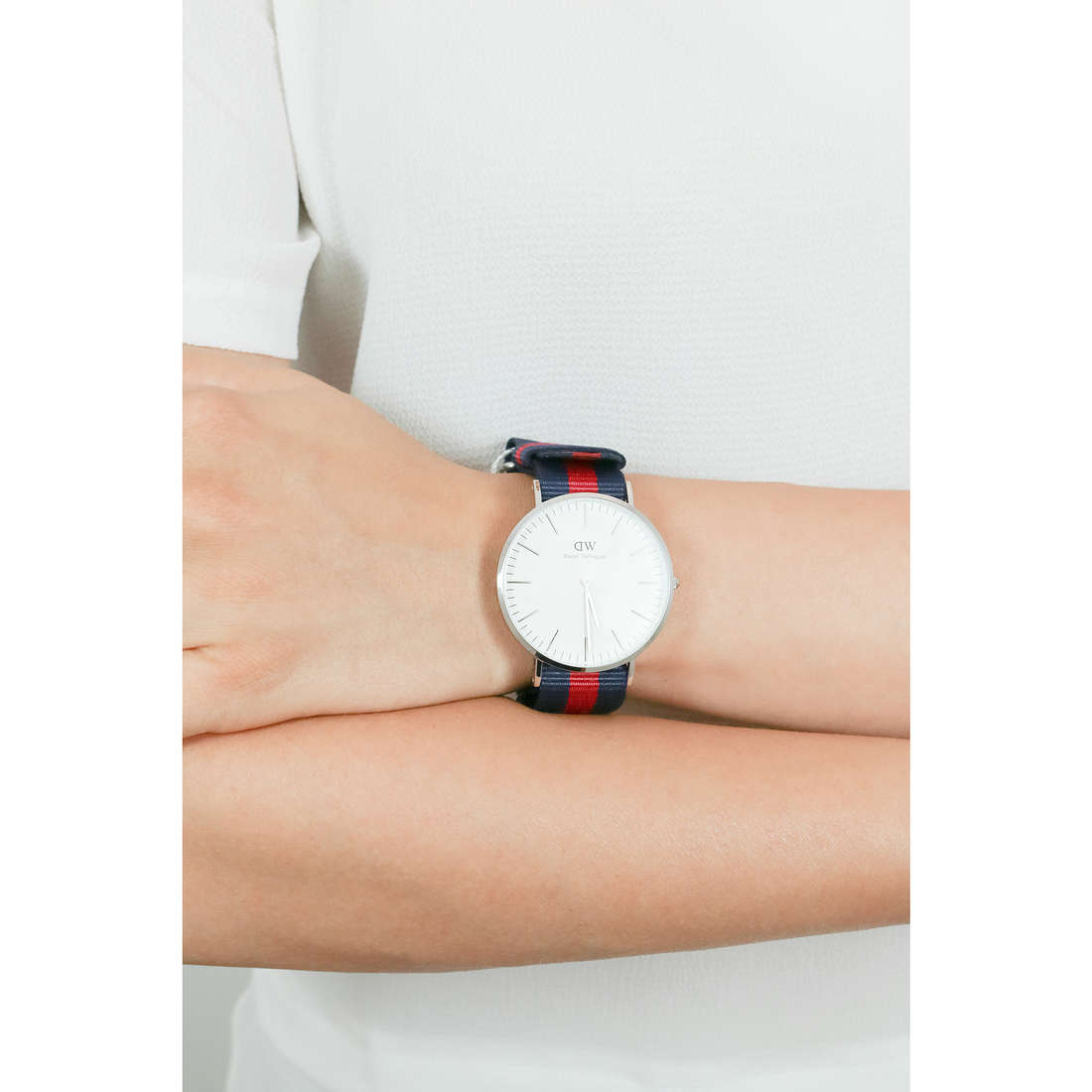 Daniel Wellington only time Classic unisex DW00100015 indosso