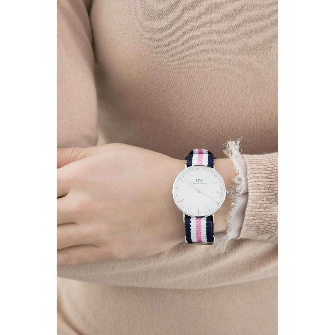 Daniel Wellington only time Classic unisex DW00100050 indosso