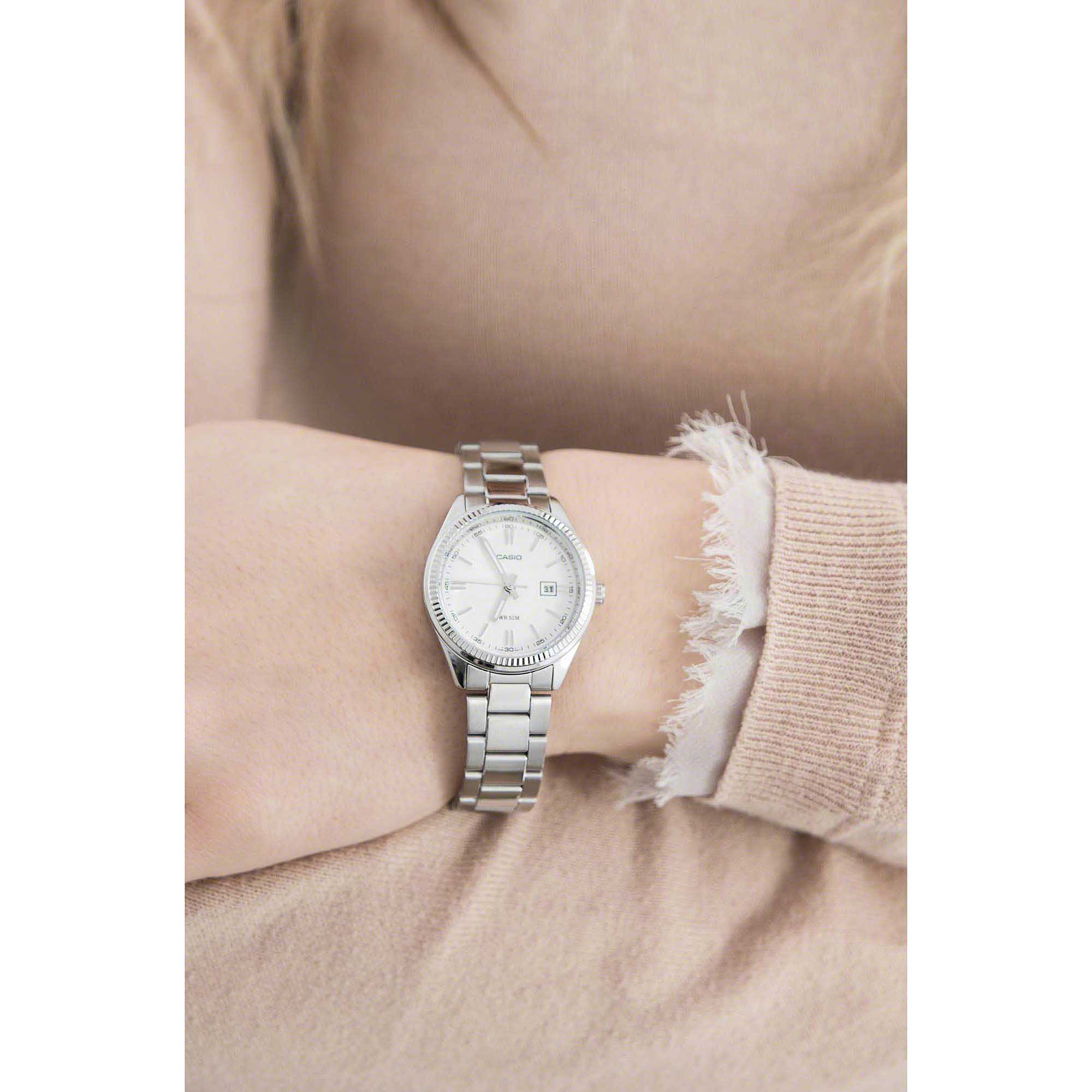 c6bb914155709 watch only time woman Casio Casio Collection LTP-1302PD-7A1VEF only ...
