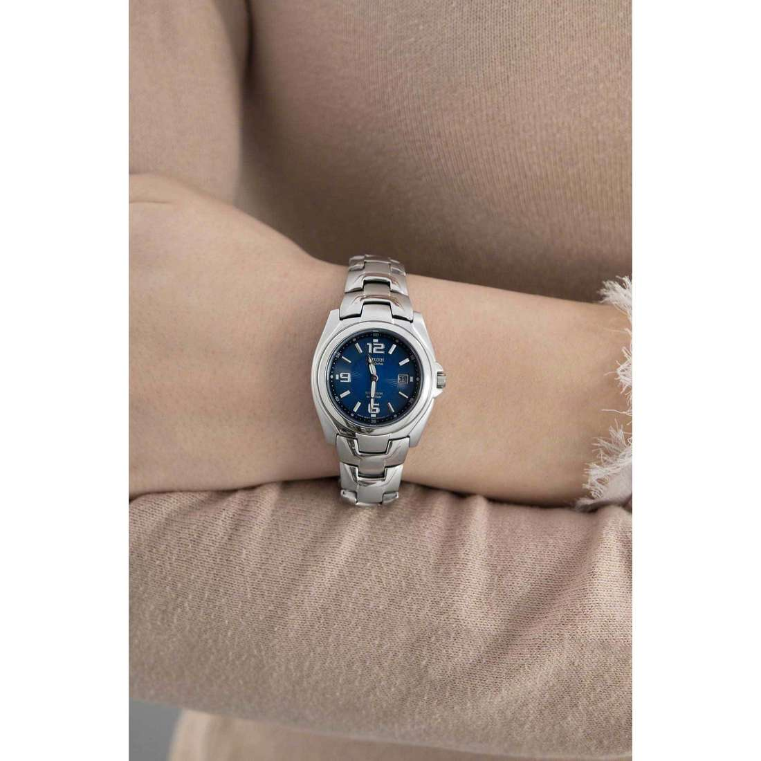Citizen only time Eco-Drive woman EW0910-52M indosso