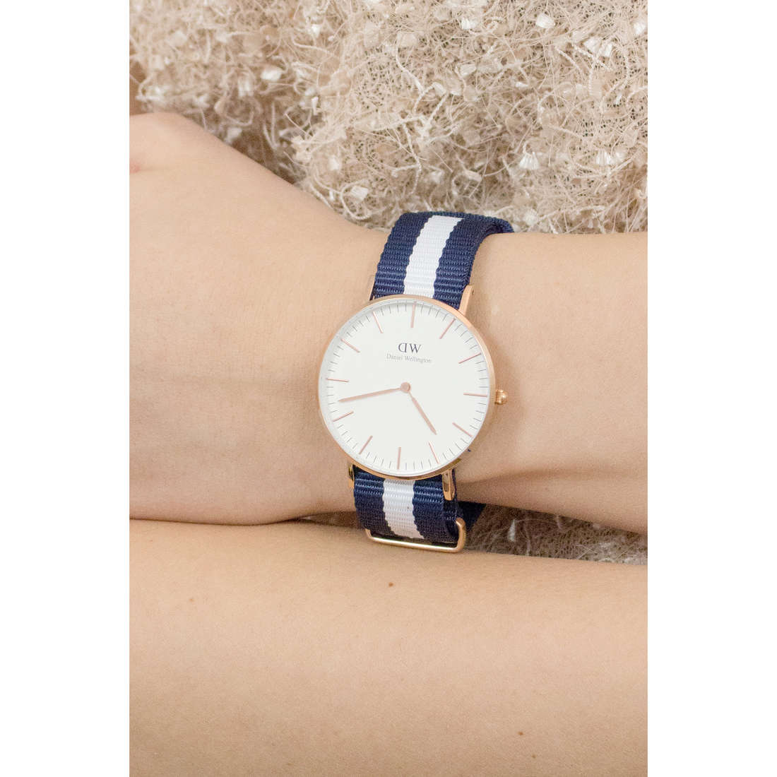 Daniel Wellington only time Classic woman DW00100031 photo wearing