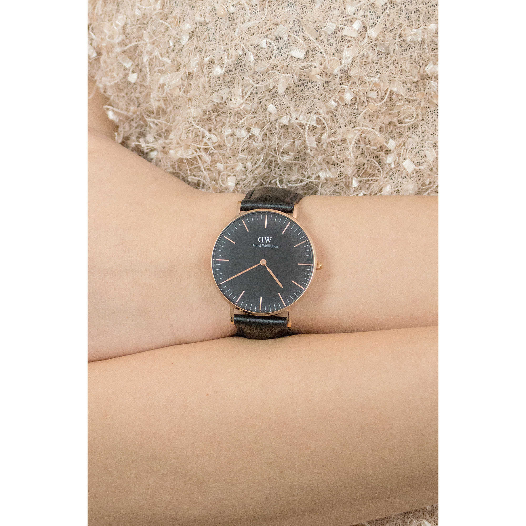 Favorito watch only time woman Daniel Wellington Classic DW00100139 only  ZU03