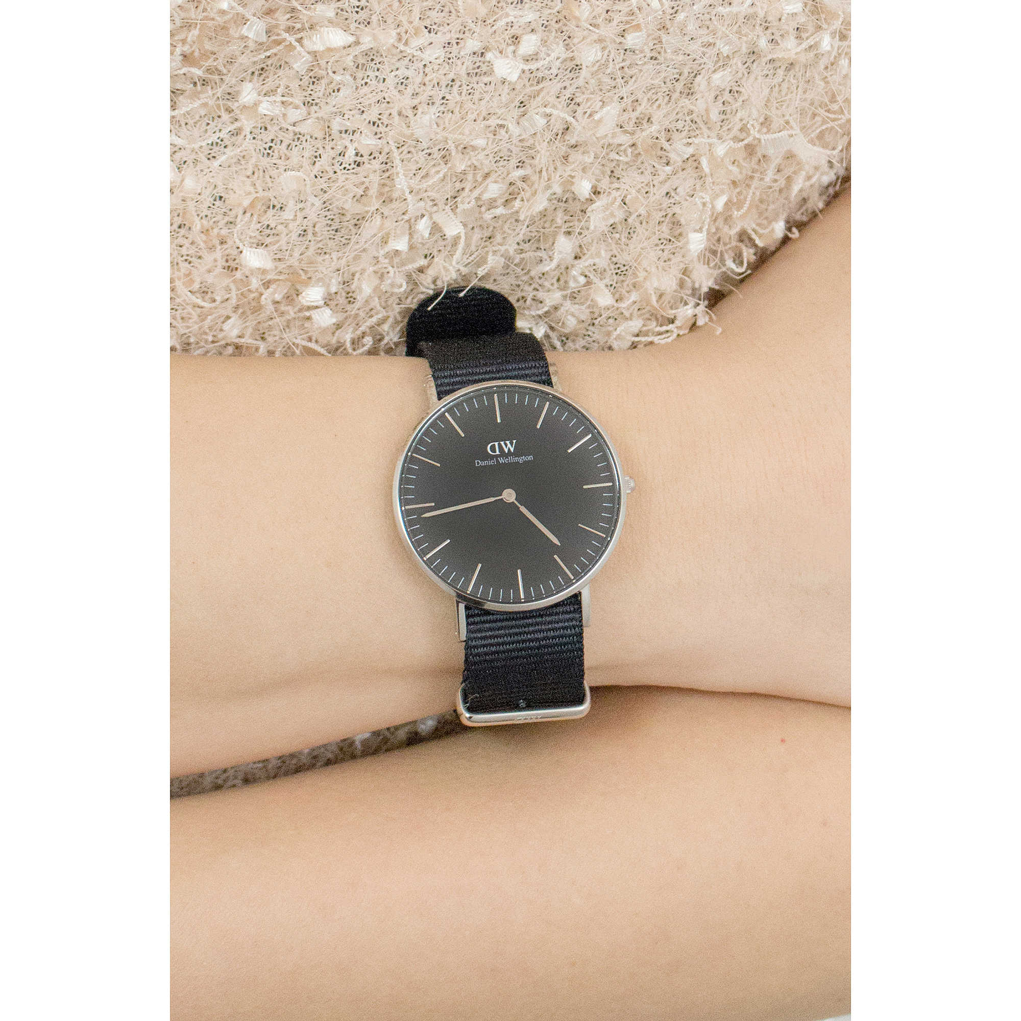 Ben noto watch only time woman Daniel Wellington Classic DW00100151 only  FM83