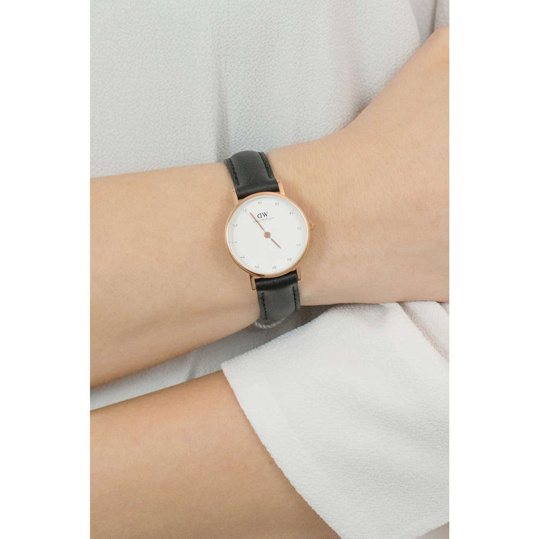 Daniel Wellington only time Classy woman DW00100060 indosso