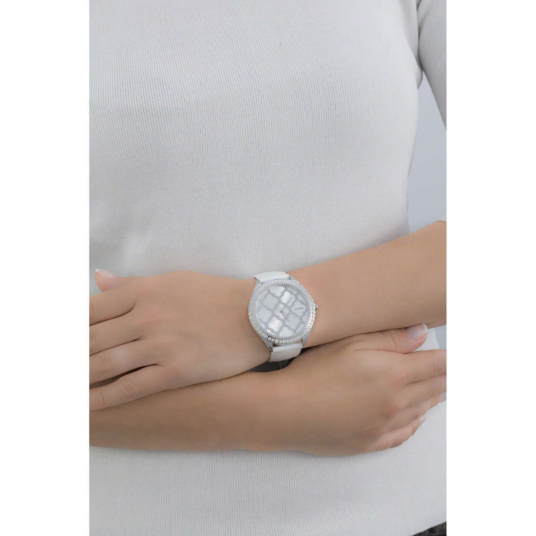 Guess only time woman W0579L3 indosso